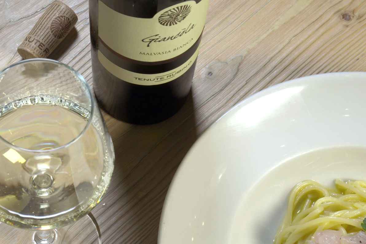 Spaghetti alla tartare di orata in Abbinamento con Giancòla - Tenute Rubino | Vini del Salento